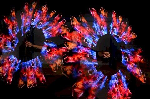 Vizual LED Poi světelná Show