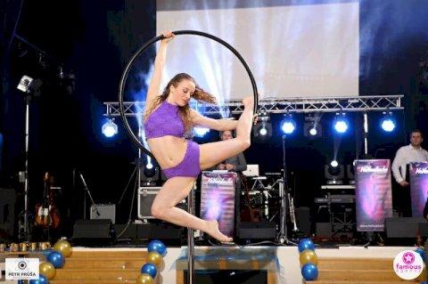 Lyra Dance 001